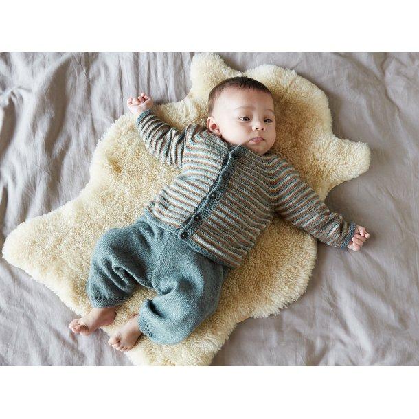 Bertram babysæt - gratis PDF strikkeopskrift bluse og bukser