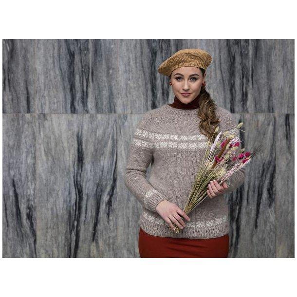 Thit - en klassisk damesweater med rundt bærestykke - gratis PDF opskrift